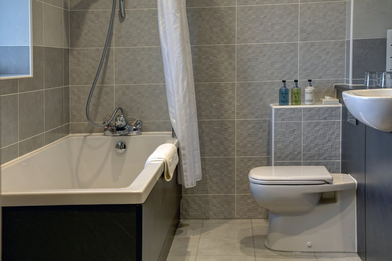 room21_bath_a