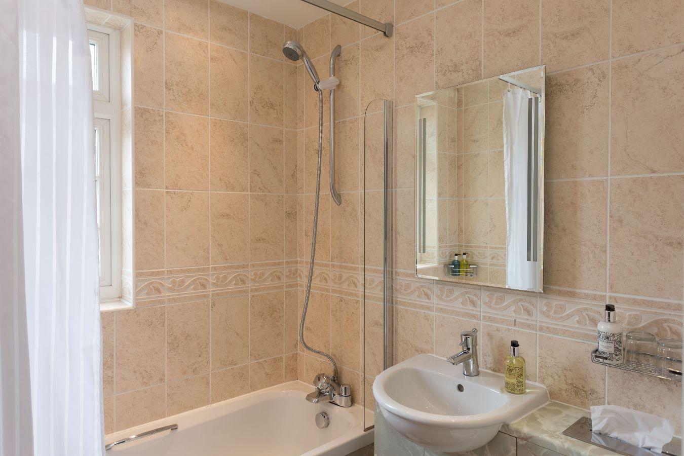 room27_bath